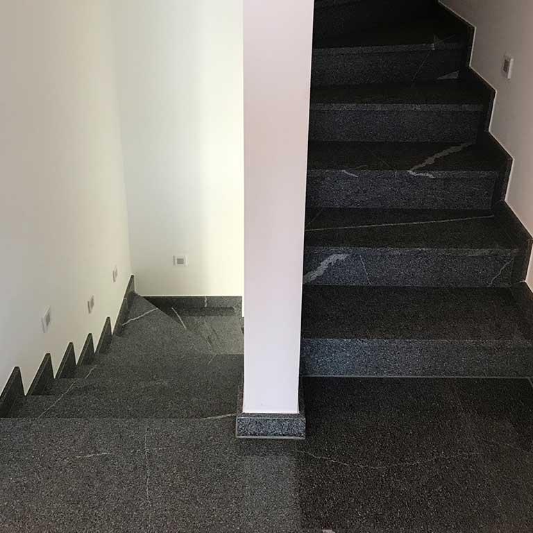 Kamnoseštvo Granitko kamnite stopnice